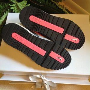 nouveau style d0a8d eb326 Nike Air Max NE Marques PAS Sneakers